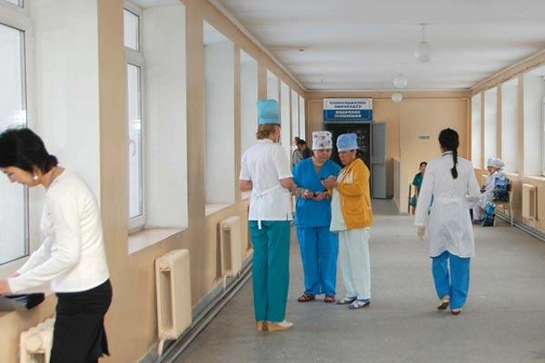 Китайский учёный и врач психиатрической больницы